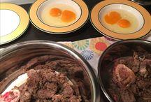 Boah Äh- die Ruhrpott Lekkerchen / Daiki und Chiko lieben ausgewählte Speisen  und Lekkerlis Hier beschreiben Sie Ihr glückliches Leben ausgehend vom Mittelpunkt des Ruhrpott