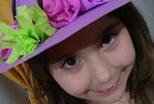 hoedjes parade/crazy hats day / Leuke voorbeelden van hoedjes voor élke  feest of project gelegenheid.