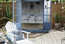 Seaside gardens / Seaside garden ideas, seaside garden plants, seaside garden ideas, plus clever beach garden themes