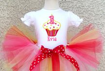 Cupcake 1st Birthday Baby Outfits / Baby Girls 1st Birthday Cupcake Tutu Outfits | Baby Birthdays | Baby Tutus | Infant Birthday Outfits