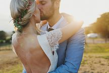 [ PHOTOGRAPHY POSING INSPIRATION ] / Photography posing and inspiration for fine art photographers wedding and engagement photographers who adore romantic, timeless and authentic photos.