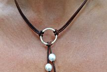 leer necklace