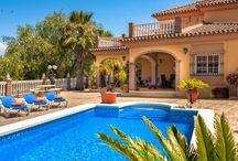 Spanje - vakantiewoningen voor grote gezinnen / Geschikte vakantie accommodaties (vakantiehuis/appartement/bungalow/tent) in Spanje voor grote gezinnen met 3 of meer kinderen, waarbij de slaapplekken in de slaapkamers zijn en niet in de woonkamer.