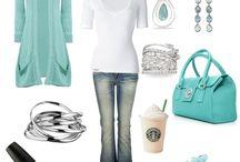Amo la Ropa, los zapatos, las carteras, los accesorios... Quiero todooo! / by Romina Gelabert