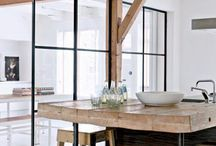 Kitchen Designs / Your inspiration to achieving that perfect kitchen design, in return you will want to spend all your time there.