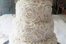 wedding cakes / by Kate Stevens