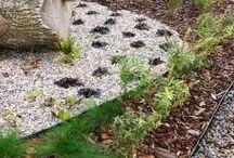 geoBORDER obrzeze trawnikowe ogrodowe/ garden border / Obrzeże ogrodowe obrzeże trawnikowe z tworzywa z recyklingu. Dzięki swej elastyczności można je dowolnie formować. To alternatywa dla drewnianych płotków i palisad, zastępuje betonowe krawężniki. Zabezpiecza korę przed rozsypywaniem, oddziela trawnik od ozdobnych kamieni