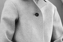 строгость / Строгие прямые линии - отличительная черта стиля минимализм. Зимой, одеваясь в этом стиле, откажитесь от варежек и цветастых шарфов в пользу черных перчаток и однотонных шляп.