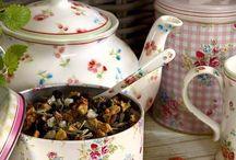 Teapots / by Sara Klawitter