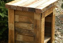 what to do with a pallet / by Tricia Conte