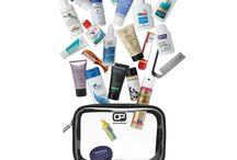 Reisesets für das Hangepäck / Fertig gepackte Ready-to-fly Reisesets für das Handgepäck, Artikelsets in Reisegröße oder Geschenksets mit Mini-Produkten für Vieflieger -- alles was Vielflieger glücklich macht.