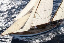 yachting - yacht en bois classique / Beaux yachts de tous types ainsi que le catalogue des disponibilités de l'agence de courtage marine et de brokerage Prestige Boat Yachting  - voir : www.prestige-boat.com