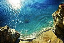 Folegandros Best Beaches / Discover Folegandros beaches,where you can relax and enjoy the sun! Read more here: http://goo.gl/uLRThK