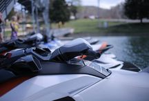 Watercraft and Boat Rentals / If you're coming to visit us at Mitchell Creek Marina you're coming to enjoy the soothing waters of Dale Hollow Lake, right? Treat your family to a fun-filled day on the lake without the hassle of having to haul your recreational equipment! We have everything you need to enjoy your time with us.
