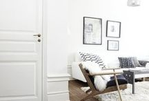 White decor, rugs and wood
