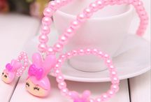 Baby & Kids Jewelry / Buy kids & baby jewellery online in India. Shop for earrings, necklaces, bracelets, jewellery set, boxes and kids pendants for girls & boys.