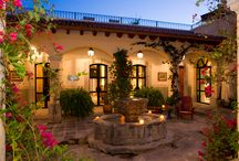 Casa de la Luz / This elegant home in a preeminent neighborhood successfully combines Spanish Colonial grandeur and the best contemporary appointments.