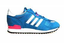 Adidas ZX 700 voor dames / Adidas ZX 700 W sneakers voor dames.