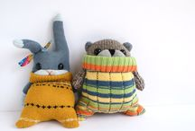 Stuffies / Cute plush animals and dolls to inspire my knitting and sewing.