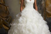Future wedding dresses / A board for fav wedding dresses & accessories