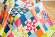 Free Quilt Block Patterns / Looking for free quilt block patterns to download? We have a HUGE selection of great quilting patterns. Everything from easy quilt patterns for beginners to modern quilt patterns and everything in between.