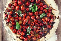 Food { Pizza + tarts } / by Emily Tanner Ranneby