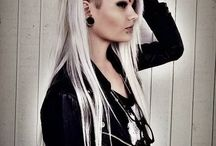 Style / Hairstyles, piercings, nails, outfits