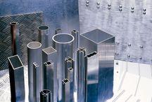 Aluminium / Oferujemy profile standardowe oraz profile specjalnego przeznaczenia między innymi elewacyjne i do ekranów akustycznych. Ponadto oferujemy blachy, taśmy i folie aluminiowe.