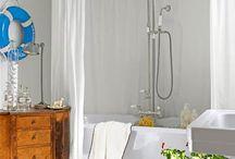 Bathrooms / by Trina Whalen