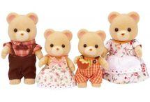 Sylvanian Families Rodzina Misiów / Wyjątkowe zabawki dla dzieci marki Sylvanian Families