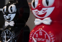 Kit Cat Cute / cheerful feline timepieces designed in the early 1930s by Earl Arnault / by Franky M