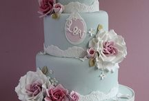 CAKES & CUPCAKES / by Reem