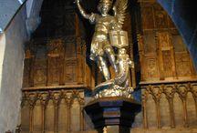 Les statues du Mont Saint-Michel