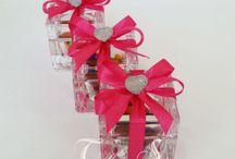 Nascita femminuccia bomboniere e sacchetti / Bellissime creazioni realizzate dal nostro laboratorio per la nascitata della vostra principessa.... personalizzabili su vostra richiesta...