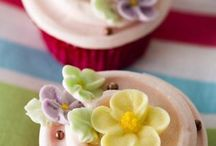 Cupcakes / by Michele Pacheco
