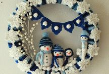Crochet wreaths and decos