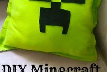 Minecraft Crafts and More / Unlimited worlds await in the game of Minecraft, where you are in control of your surroundings. Minecraft crafts, Minecraft recipes