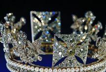 Kruununjalokiviä ym