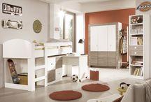 Kinderzimmer / Ihr Kind ist dem Babyalter entwachsen und soll nun die ersten Schritte in selbstbestimmtes Leben machen? Passende Möbel im ersten eigenen Zimmer gehören dazu. Passende Ideen dafür finden Sie hier!
