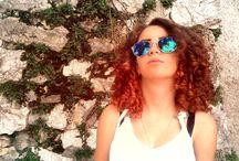 Curly hair / Frumusetea parului natural cret .