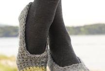 Sapato, meia, chinelos