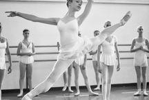 Dance°•●