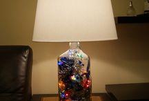 В подарок на Новый Год оригинальные настольные светильники. / Оригинальные настольные светильники делаются как правило из пустых бутылок, банок, коробок и из всего, что попадается под руки.