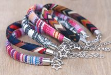 Sieraden voor meiden / Armbanden, oorbellen en kettingen uit eigen atelier van Winkel van Indah.