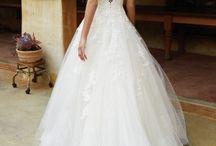 Bruidsjurken van Pani Moda Bruidsboutique / Bij Pani Moda bruidsboutique kunt u uw droom jurk vinden of laten maken.