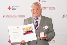 """9. Weltblutspendertag / 9. Weltblutspendertag steht unter dem Motto """"Jeder Blutspender ist ein Held"""": Am 14. Juni findet zum neunten Mal der internationale Weltblutspendertag statt. Das Motto in diesem Jahr lautet """"Jeder Blutspender ist ein Held"""", denn jede freiwillige und uneigennützige Blutspende kann Leben retten.  / by PR-Agentur PR4YOU"""