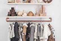Mini clothes rack
