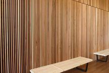 ściana z drewna