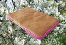 Bo-borsa iPad cover / Stylish, quirky and very unusual iPad cover - looks just like brown paper but is strong light and water-resistant - be different! #tyvek #ipadcover #ipad #newstyle http://www.bo-borsa.com/…