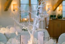 winter wedding ideas / getting married in winter will be unique without even trying, By nature they tend to lend themselves to elegant beautiful decor design, while the snow adds that little extra magic!